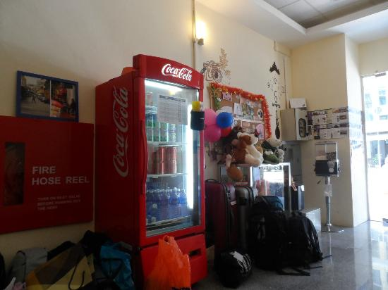 City Backpackers : Drinks are sold too