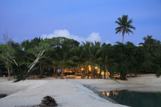 Aquana Beach Resort : view of the resort from the jetty