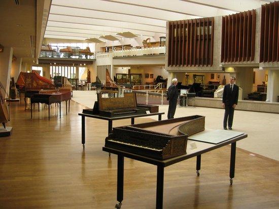 Museum of Musical Instruments (Musikinstrumenten Museum)