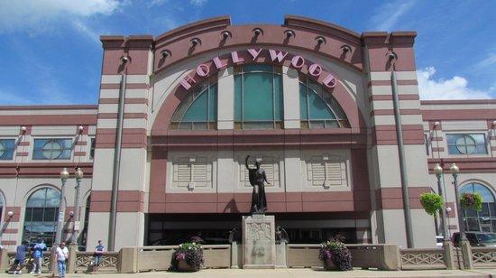Hollywood Casino Aurora
