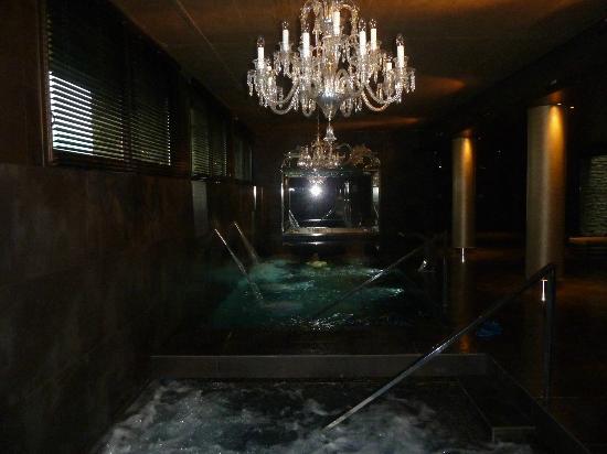 Castillo Gorraiz Hotel Golf & Spa: Spa, lámparas