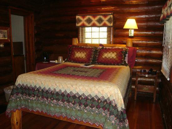 White Pines Inn : Cabin #26