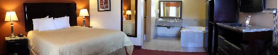 Portofino Inn Burbank: Deluxe King Jacuzzi Suite