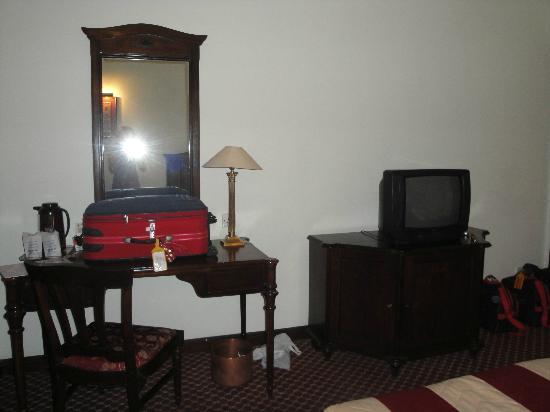 Grand Hotel Kathmandu: Habitación