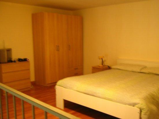 Della Sapienza 8: bedroom
