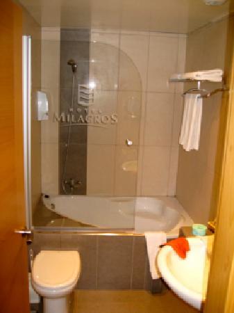 Hotel Milagros Rio Riaza: Cuatro de baño