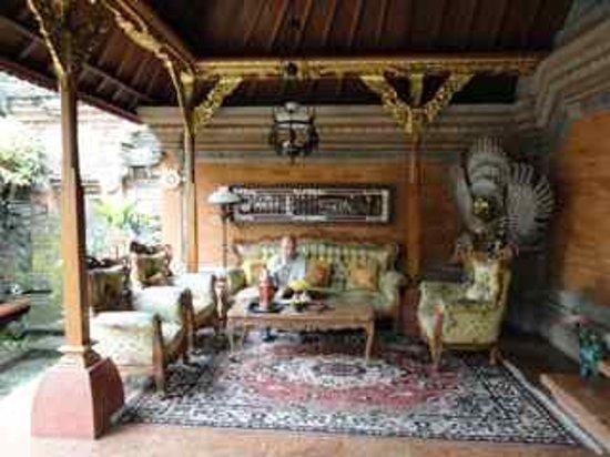 Puri Saren Agung: Front porch of the bungalow