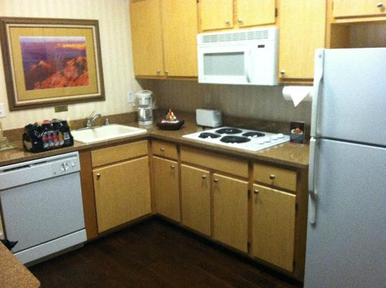 Gainey Suites Hotel: huge kitchen area