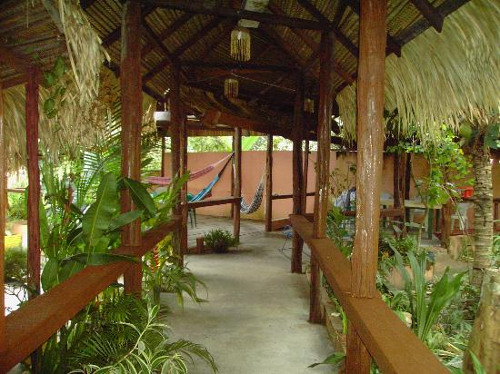 Veranda mit Hängematten vom Maracuja City Resort