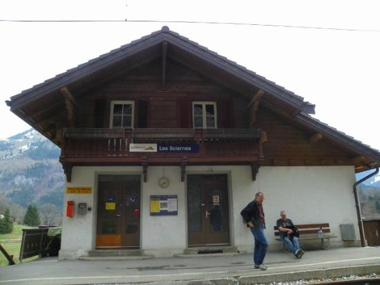 Bed and Breakfast La Pinte de Lys: Local train station