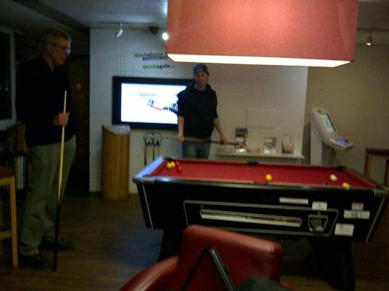 65 Queen's Gate, Baden-Powell House: Playing pool in the lounge