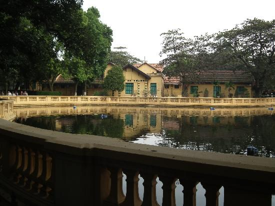 Ho Chi Minh Presidential Palace Historical Site: Park