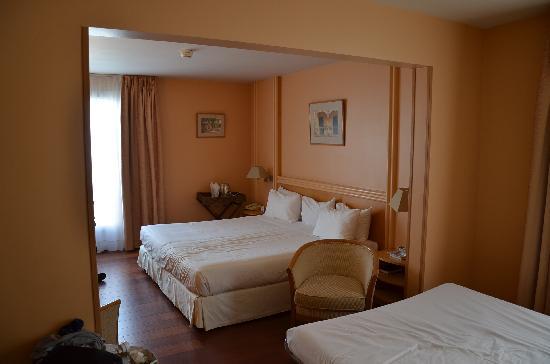 Mercure Cannes Croisette Beach: suite au 4eme etage