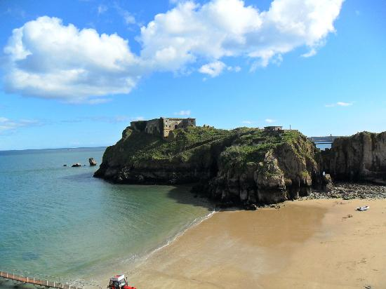 Southside  Bed and Breakfast: Beach at Tenby