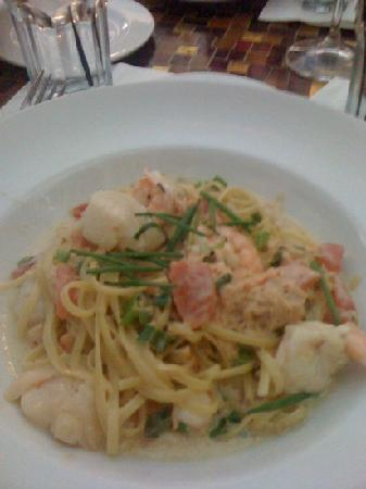 Trevi Italian Restaurant: yummy pasta