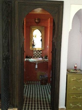 Riad Al Kadar: bathroom