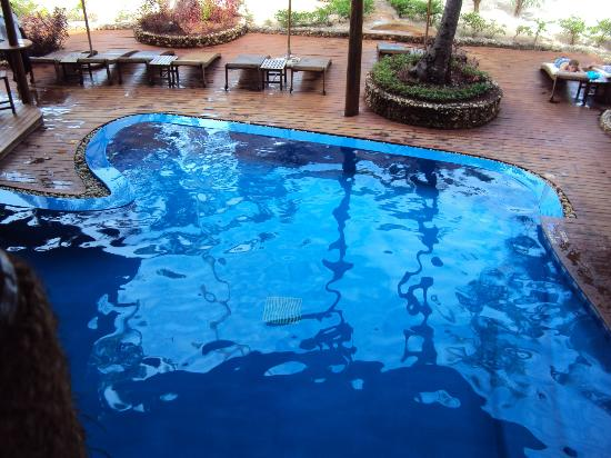 Azanzi Beach Hotel: pool from top