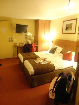 Kyriad Amiens Nord : Twin room.