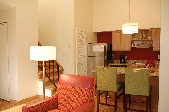 Residence Inn San Francisco Airport/San Mateo: Penthouse Suite Kitchen