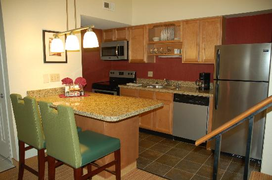 Residence Inn San Francisco Airport/San Mateo: Penthouse Suite Fully Equipped Kitchen