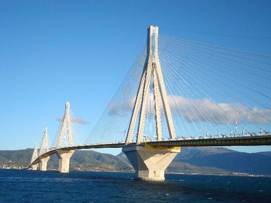 OSE: Puente Río Antírio, al este de Patras