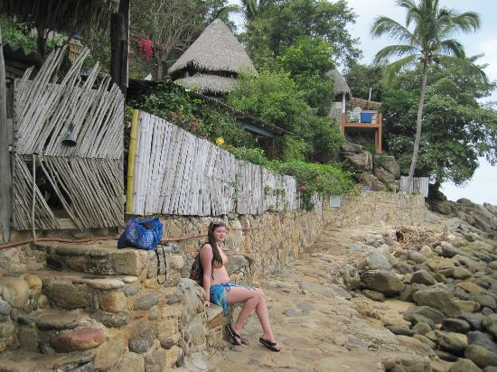 El Jardin Yelapa: path to the compound