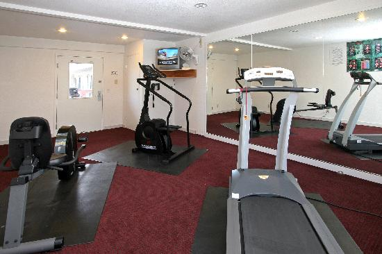 Travelodge Salinas: gym