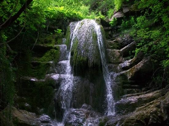 Agriturismo La Ferraia: Il torrente Ferraia la prima cascata