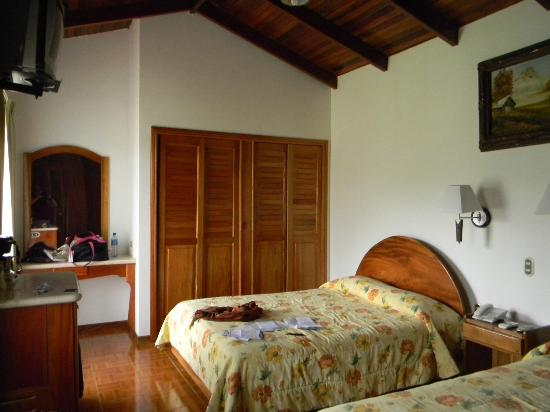Arenal Paraiso Hotel Resort & Spa: big rooms