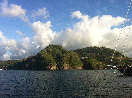 Hurricane Hole Bar : Beautiful St Lucia w captain Sam