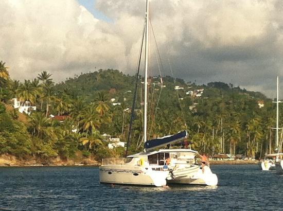 Hurricane Hole Bar : Catamaran