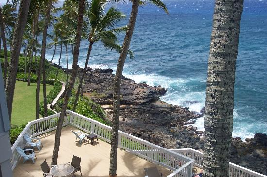 Poipu Palms Condominiums: partial view from balcony
