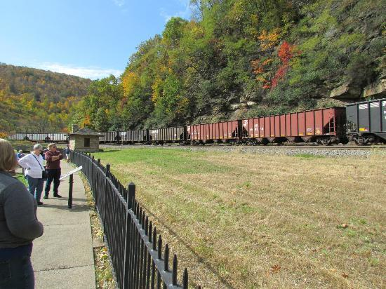 Horseshoe Curve National Historic Landmark : More Trains