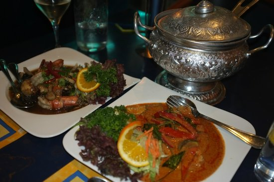 Royal Thai: Prawns, Red Curry fish