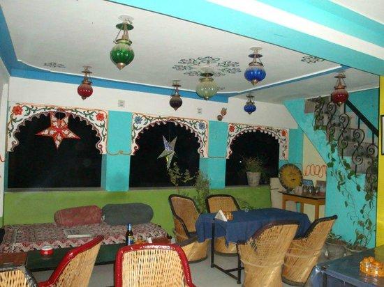 Hotel Hanuman Ghat: Restaurant