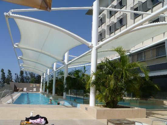 Mercure Sydney Liverpool: Swimming Pool
