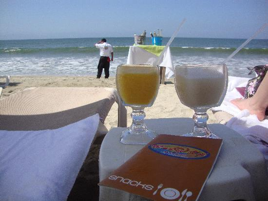 Mar y Sol : Mango and Banana Margaritas