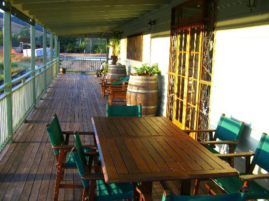 Amamoor Lodge: The back deck
