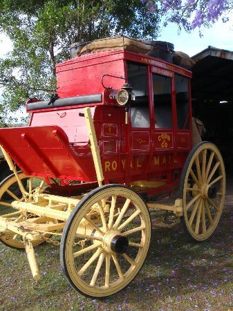 Amamoor Lodge: John's Cobb & Co Coach