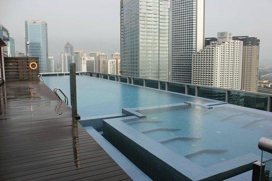 Somerset Ampang Kuala Lumpur: Pool with a view.