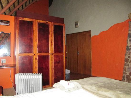 Didima Camp: Room