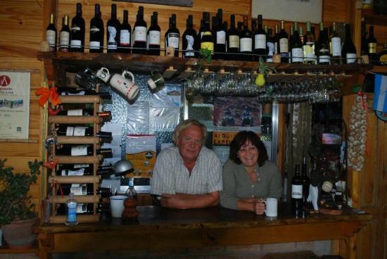 Tomillo Restaurant B&B : dining room and wonderful hosts