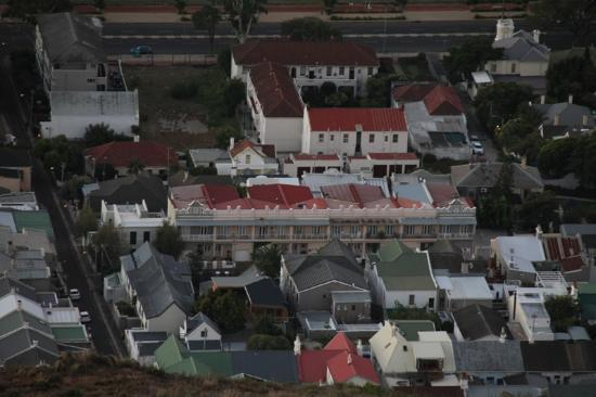 David's Bed & Breakfast Guest House: the gust house as seen from Signal Hill