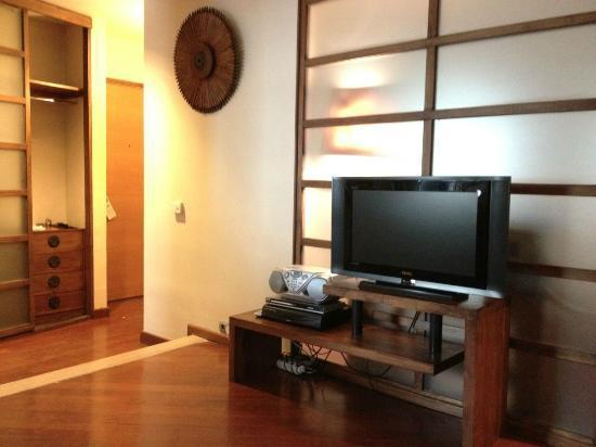 Taxim Suites : TV