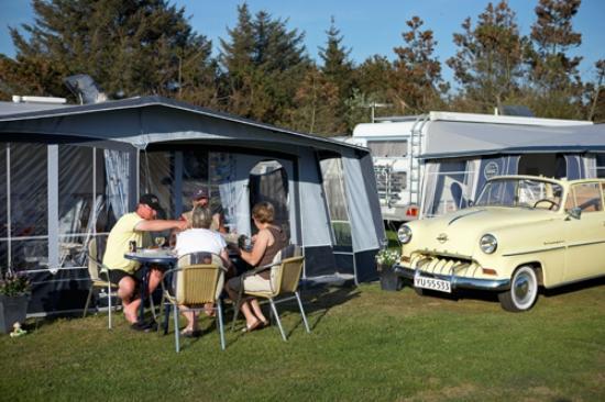 Henne Strand Camping : Caravans