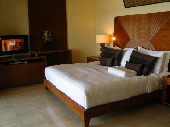 Shanti Maurice A Nira Resort: Bett mit Oceanview