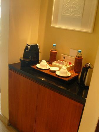Shanti Maurice A Nira Resort: Nespresso Maschine im Zimmer