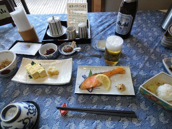 Gingetsu: 朝食です。