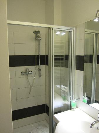 Hotel Prens Berlin : Dusche
