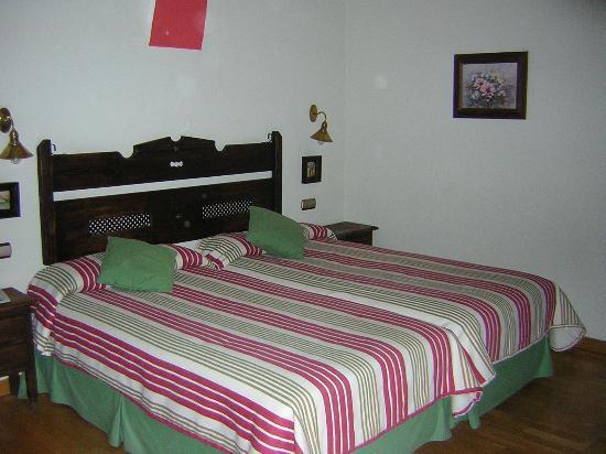 Hotel Sao Joao de Deus: Habitacion.